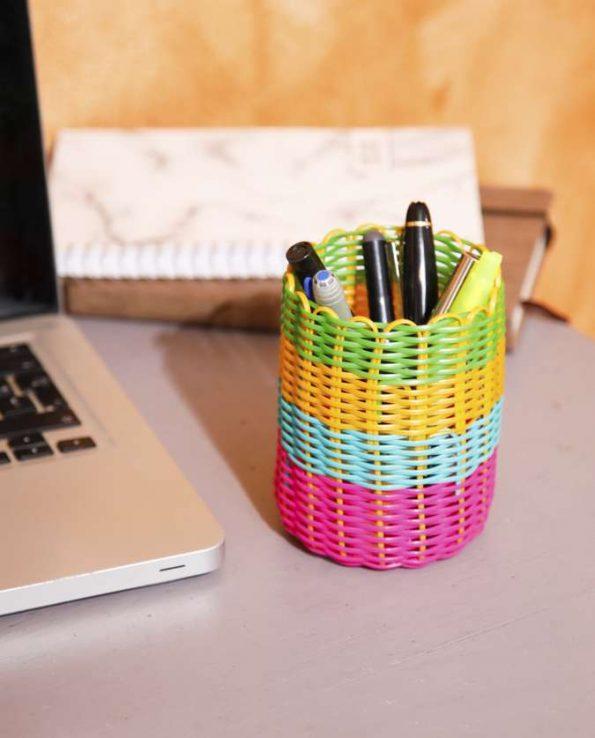 Pot à crayons tressé couleurs bariolées - photo 2