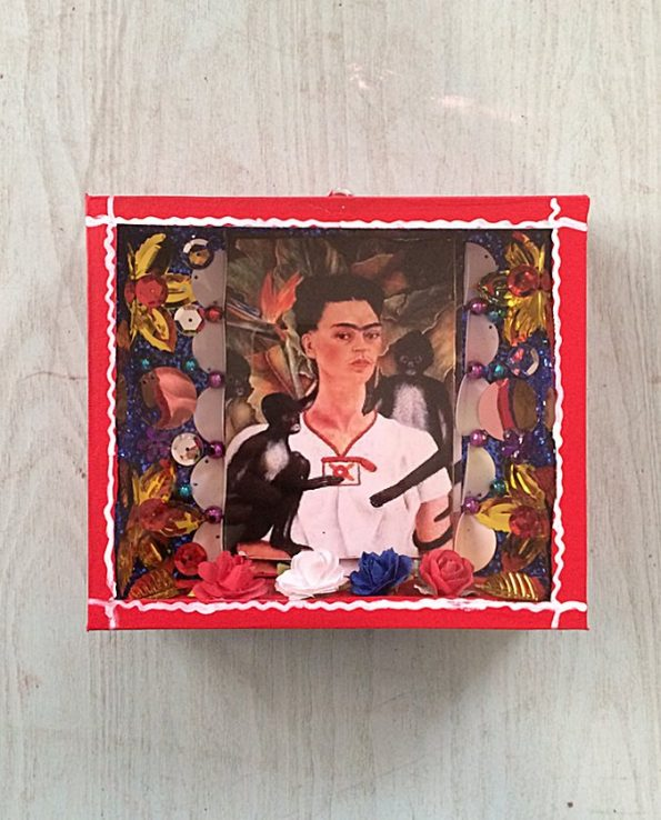 vitrine mexicaine frida rouge