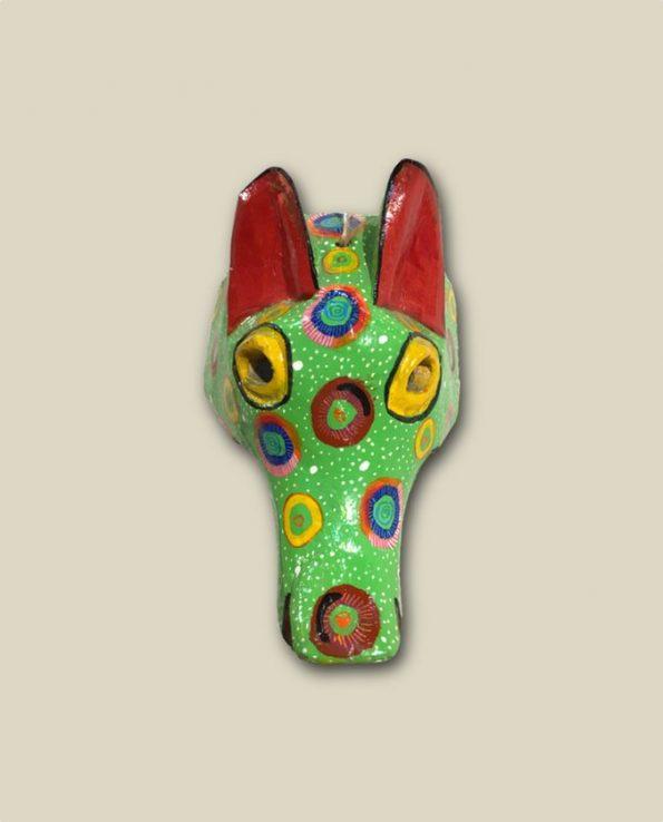 Masque en bois peint du Guatemala, tête de coyote