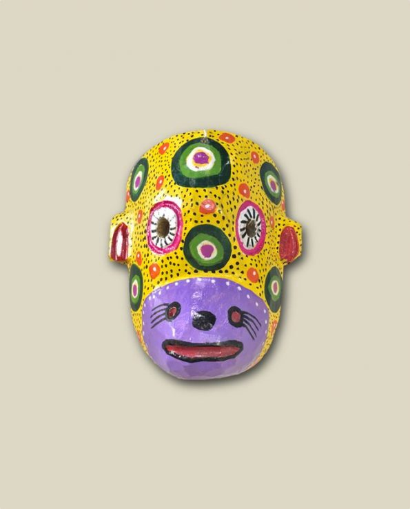 Masque en bois peint du Guatemala, tête de singe