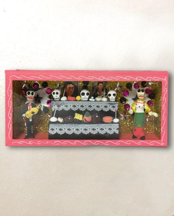Vitrine mexicaine autel calacas rose