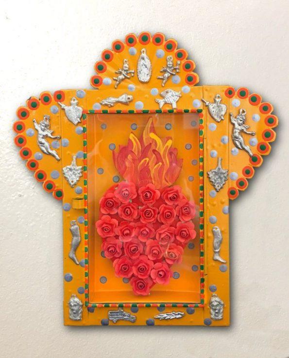 Niche vitrine mexicaine ex votos coeur de fleurs