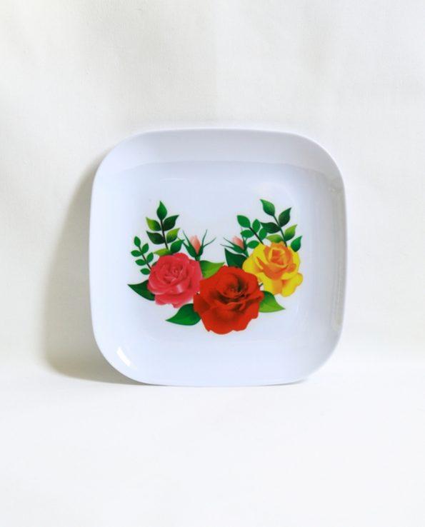 Assiette mélamine carrée motif roses plusieurs couleurs