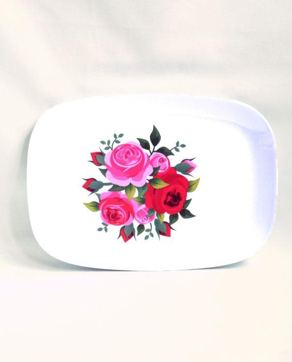 Plat mélamine motif roses roses et rouges