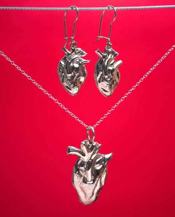 Parure coeur anatomique argenté (BO + pendentif)
