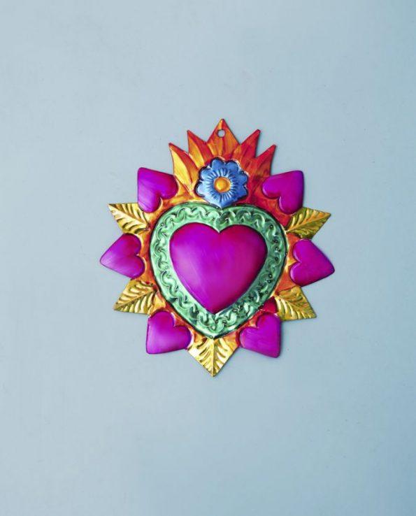 Coeur ex-voto métal repoussé 20cm modèle couronne de coeurs