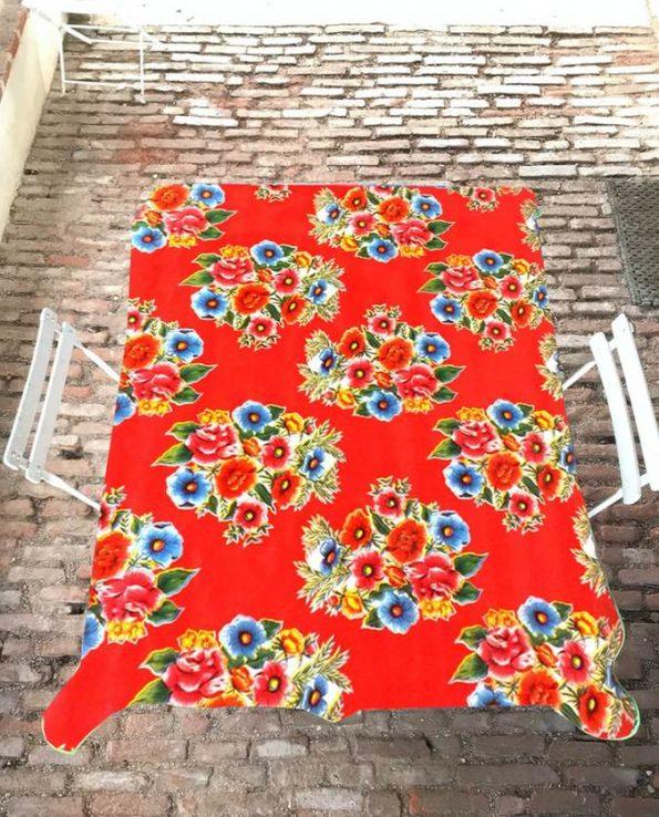 Nappe prédécoupée toile cirée ramilletes rouge (set de 3 tailles)