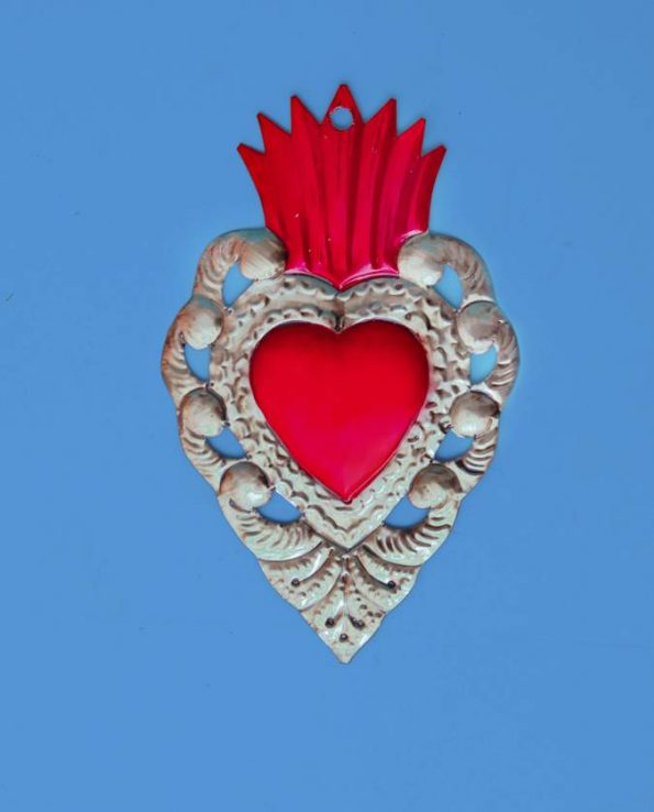 Ex-voto heart embossed metal 20cm flama
