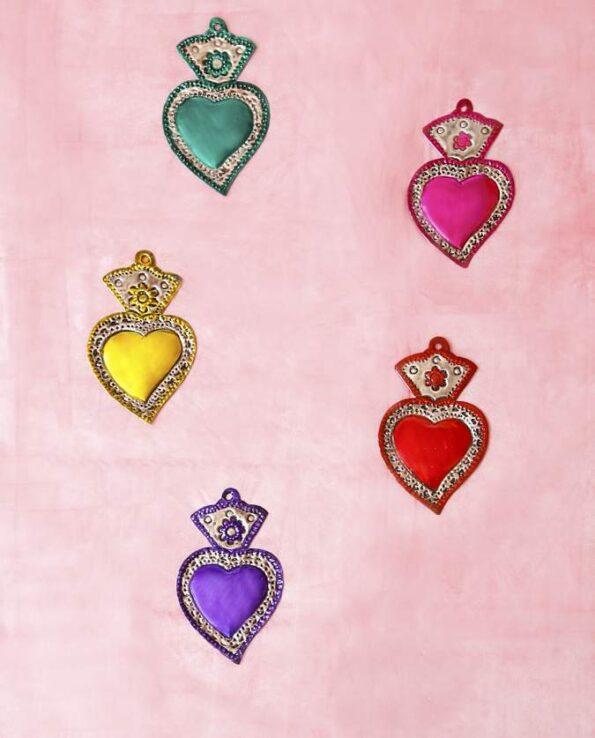 Traditionnel coeur ex-voto mexicain patiné une couleur
