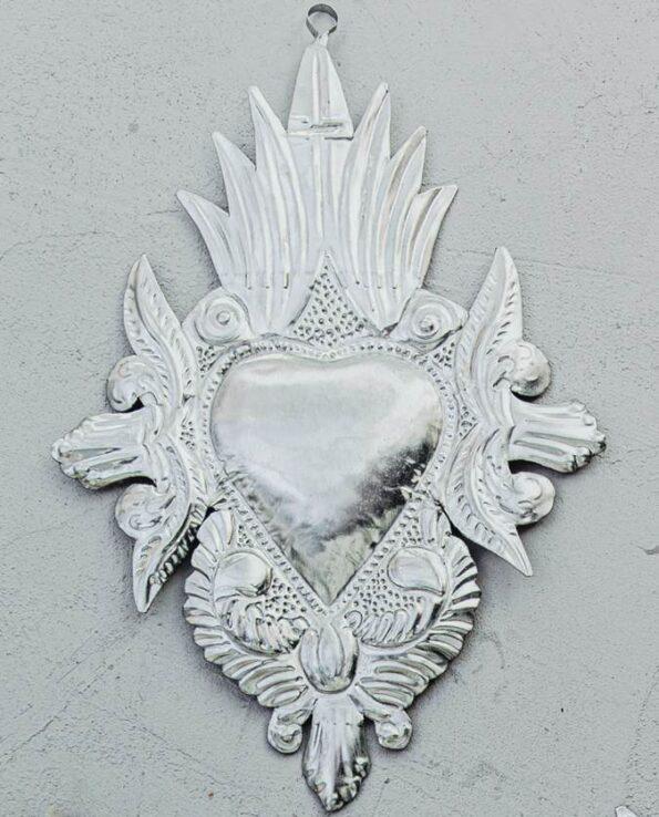 Coeur ex-voto colonial en métal naturel