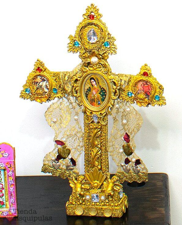 Grande croix baroque en bois doré
